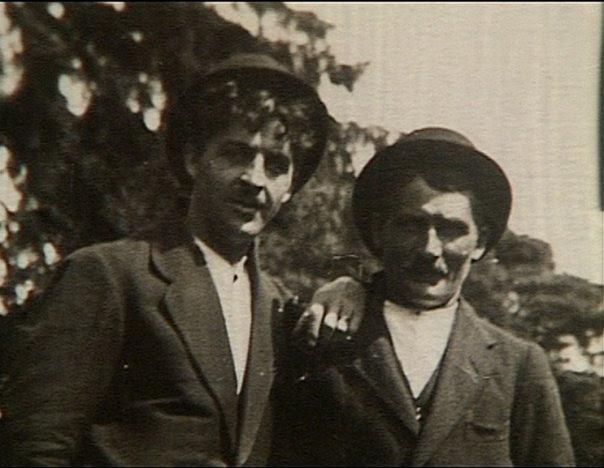 Fri, från Wikimedia Commons Carl Jularbo tillsammans med sin far Alfred Karlsson (1864 - 1952)
