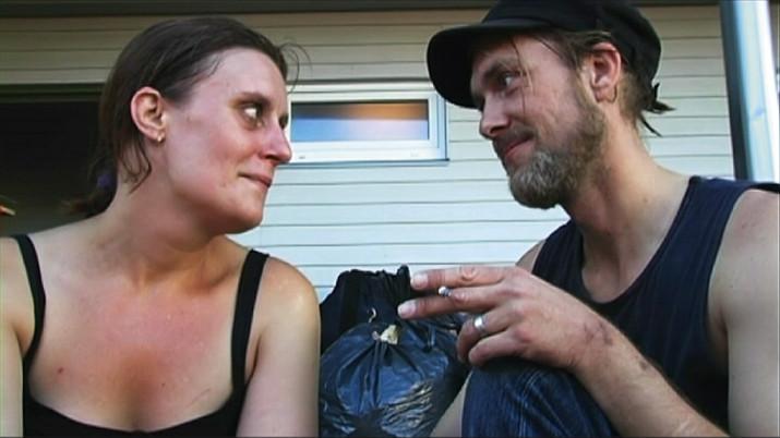 MonaLisas och Fredriks missbruk har sett olika ut men de har stöttat varandra genom åren för att bli drogfria.