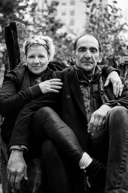 Alexandra och Evangelos har fått en lägenhet genom Bostad Först. Foto: IngelaS